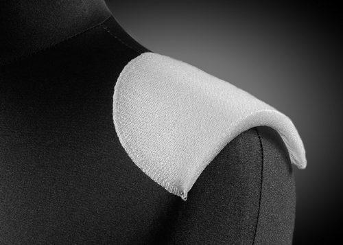 Wkłady barkowe, poduszki barkowe, wypełnienia kuli rękawa z włókniny oraz pianki. Proste profilowane, reglanowe, softy, Igłowane lub fastrygowane.